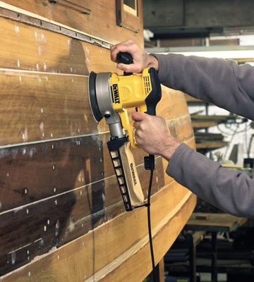 Review of DEWALT D26410 Random Orbital Sander