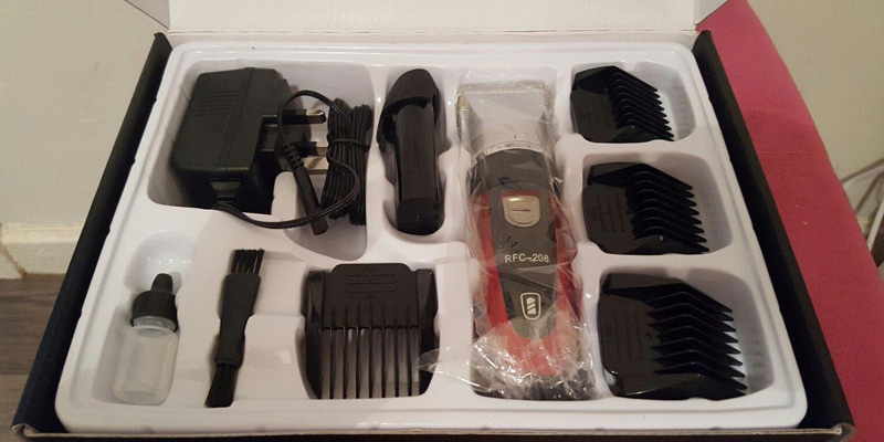 ELEHOT Hair Clippers Electric Haircut Kit in the use