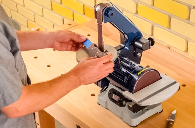 Best Disc Sanders for Perfectly Smooth Wooden Surfaces