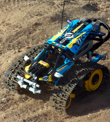 Review of LEGO 42095 Technic Remote-Controlled Stunt Racer