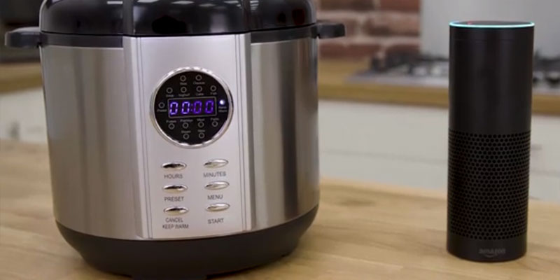 Tower T16005 Electric Pressure Cooker in the use