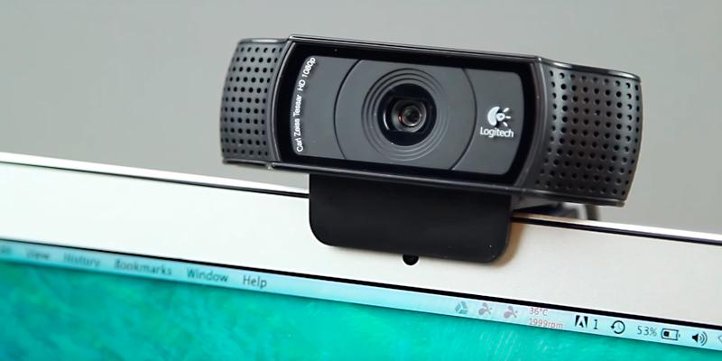 Logitech C920 HD Pro USB 1080p Webcam in the use