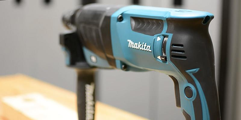 Detailed review of Makita HR2630 26 mm 3 Mode SDS Plus Rotary Hammer Drill