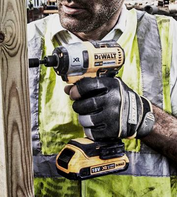 Review of DEWALT DCF886N-XJ