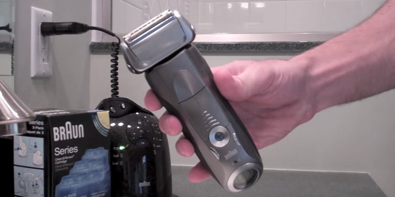 Braun Series 7 7898c Electric Shaver in the use