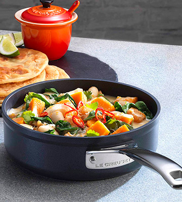 Review of Le Creuset 26 cm Toughened Non-Stick Saute Pan with Lid
