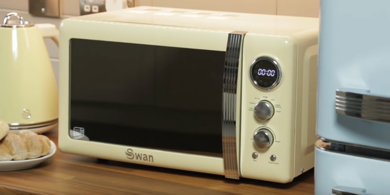 Review of Swan SM22030BN Retro Digital Microwave