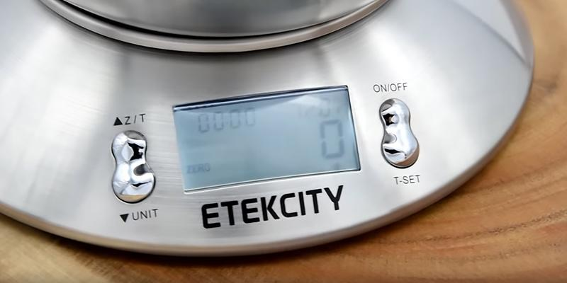 Etekcity Stainless Steel Kitchen and Food Scale in the use