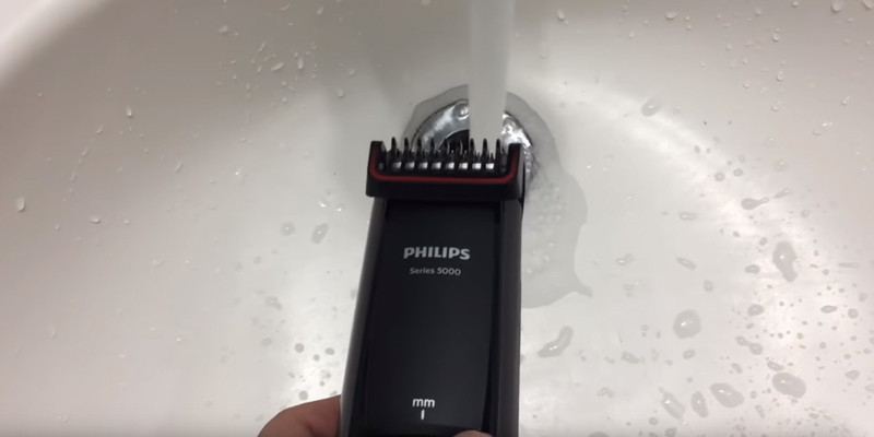 Philips BT5200/13 Series 5000 Beard and Stubble Trimmer in the use