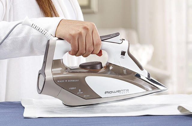 Comparison of Rowenta Steam Irons for Super Smooth Results