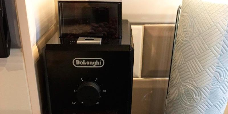 Delonghi Professional Burr Coffee Grinder in the use