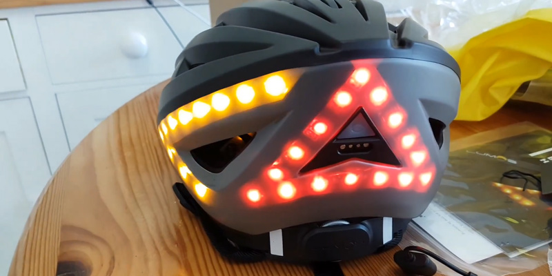 Review of Lumos Smart LED Bike Helmet with Wireless Turn Signal Handlebar Remote and Built-In Motion Sensor