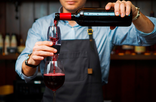 Best Wine Aerators to Reveal Unique Wine Flavours