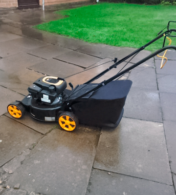 Review of McCulloch M46-110R Petrol Rotary Lawnmower