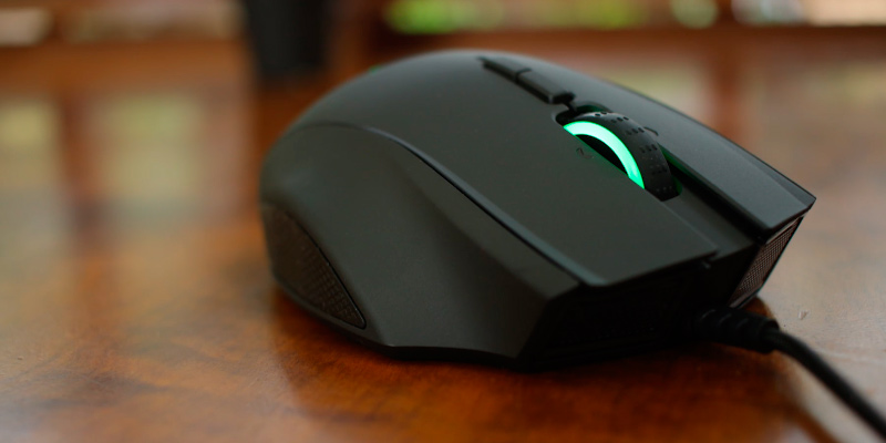 Review of Razer RZ01-01610100-R3 Ergonomic RGB MMO Gaming Mouse