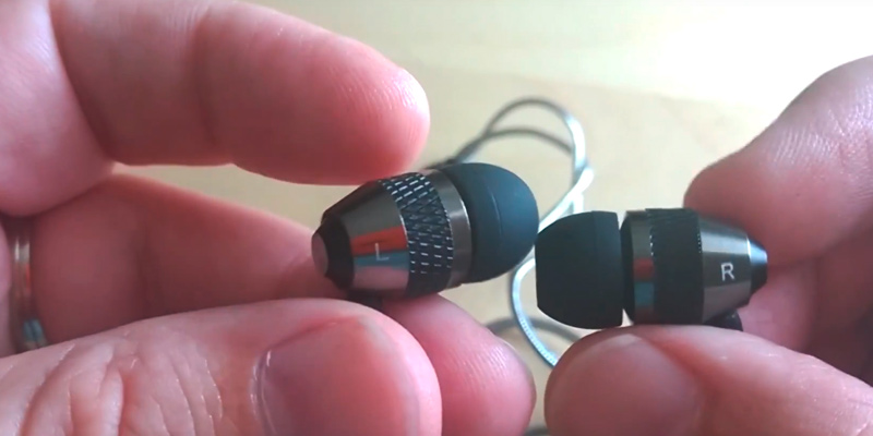 Review of Betron B25 Earphones with Pure Sound and Powerful Bass