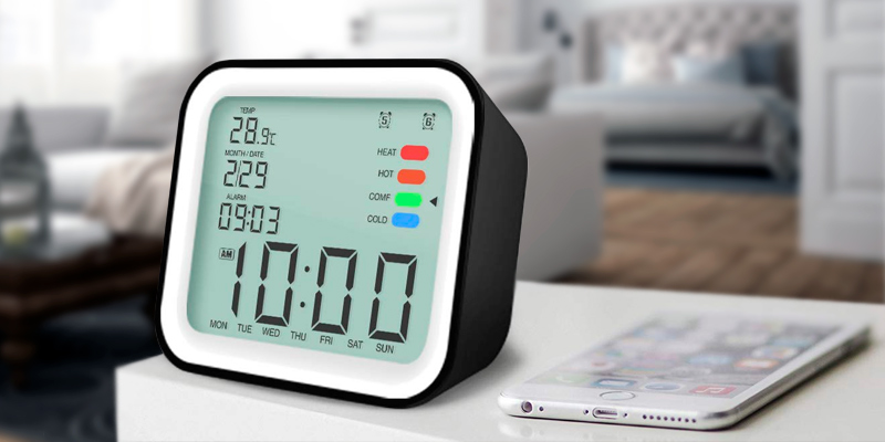 Review of iiwey HO011 Dual Alarm Clocks with Temperature Display