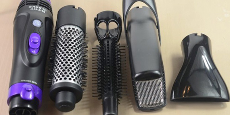 Nicky Clarke NHA045 Hot Air Styling Brush in the use