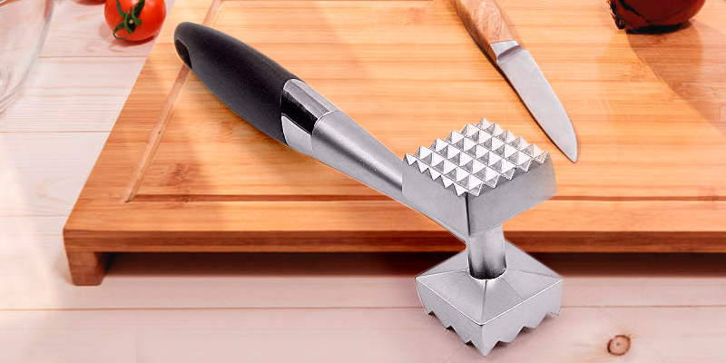 Review of Uharbour Meat Tenderizer Convenient Hammer For Steak, Chicken, Fish, Pork