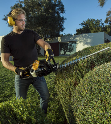 Review of McCulloch HT 5622 Petrol Hedge Trimmer