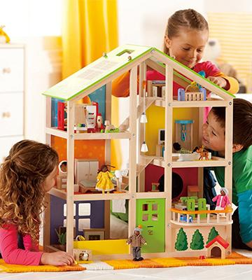 Review of Hape HAP-E3401 All Season Doll's House