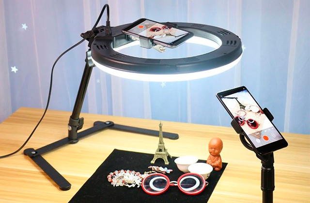 Best Ring Lights for Photographers and Vloggers