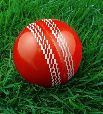 Review of Opttiuuq Magikk Cricket Ball