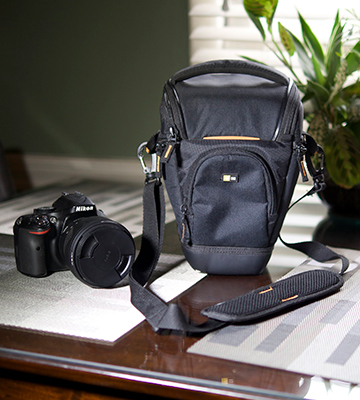 Review of Case Logic SLRC-201 Compact Zoom Camera Bag with EVA protection