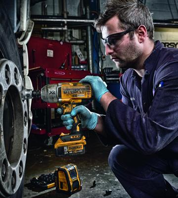 Review of DEWALT DCF899P2-GB Cordless Brushless High Torque Impact Wrench