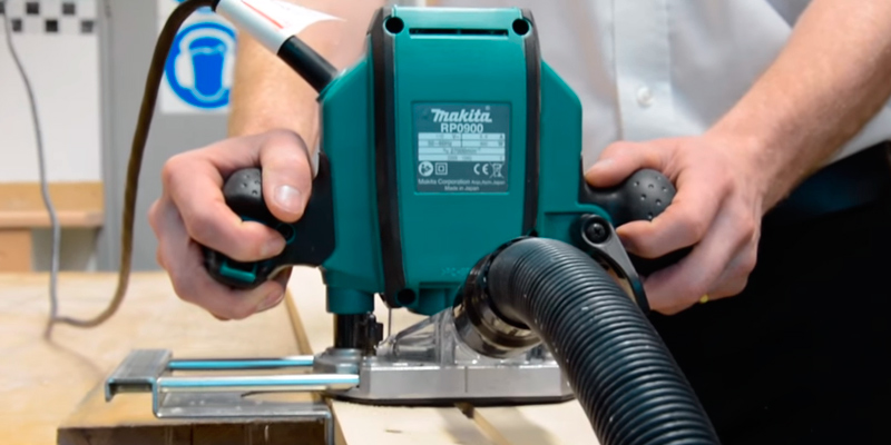 Review of Makita RP0900X Plunge Router