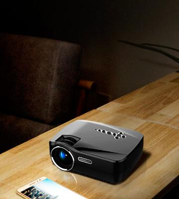 Review of Vivibright GP70UP Portable Mini LED Projector