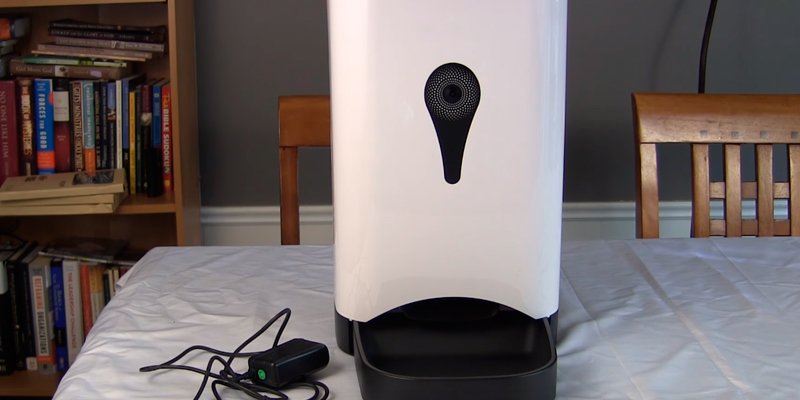 Review of Unimall Automatic Smart Feeder with Wireless Camera