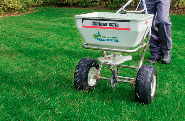 Best Lawn Spreaders
