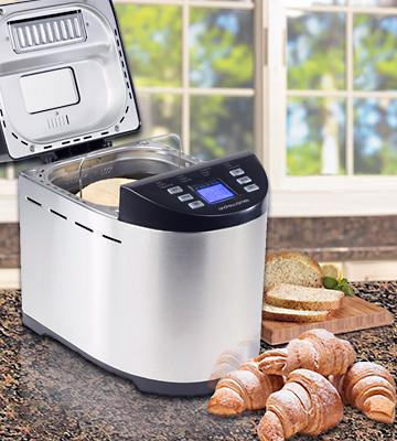 Review of Andrew James Premium Bread Maker With Nut Dispenser