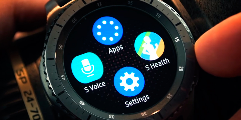 Samsung Gear S3 Frontier (SM-R760NDAAXAR) Smartwatch in the use