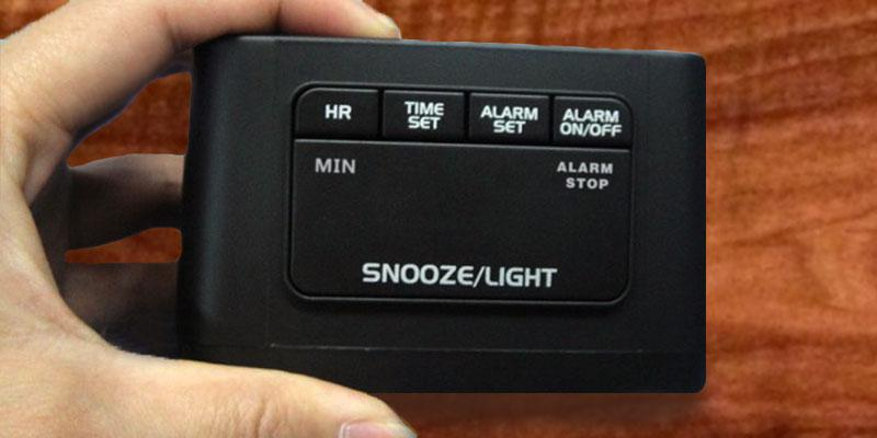 HITO Smart, Simple and Silent LCD Alarm Clock in the use