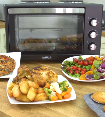 Review of Tower T14014 Mini Oven with Double Hotplates and Rotisserie