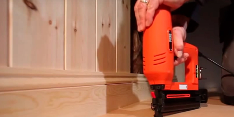Tacwise Duo 50 Electric Staple/Nail Gun application
