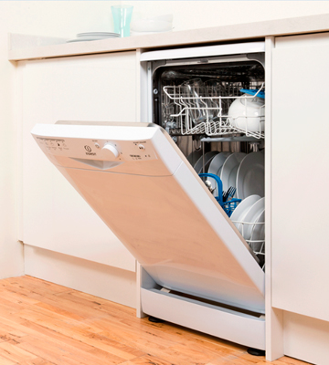 Review of Indesit DSR15B1 Dishwasher Freestanding Slimline