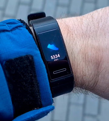 Review of Huawei Band 4 Pro Fitness Tracker