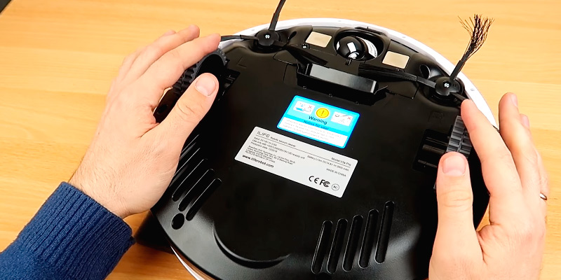 iLife V3s Pro Robotic Vacuum in the use