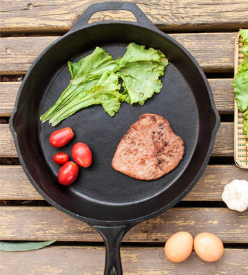 Review of Utopia Kitchen 12.5 Inch Pre-Seasoned Cast Iron Skillet