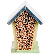 Wild on Wildlife WA02 Esschert Design Wood Bee House