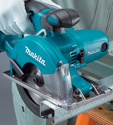 Review of Makita DCS550Z Cordless Li-ion Metal Cutting Saw