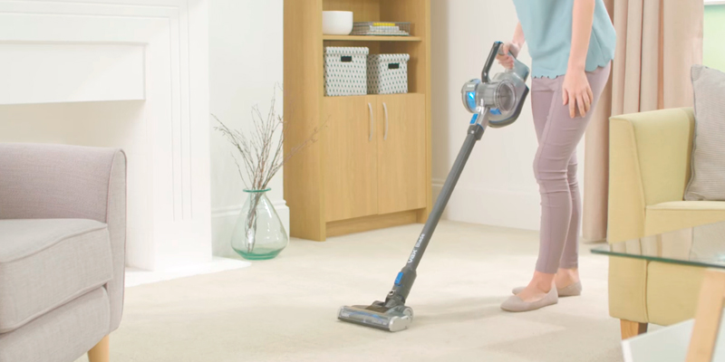 Review of Vax TBT3V1B2 Blade Cordless Vacuum Cleaner