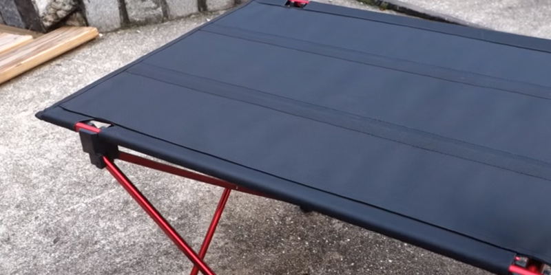 Review of OUTRY Lightweight Folding Table with Cup Holders