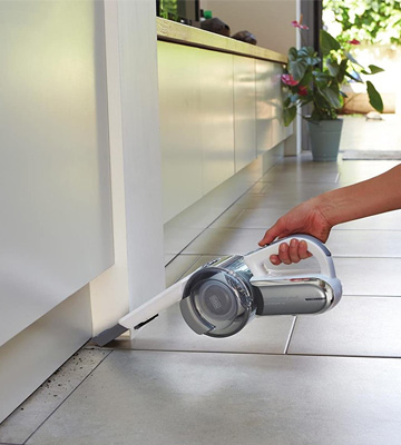 Review of Black & Decker 18 V Lithium-Ion Handheld Compact Pivot Vacuum