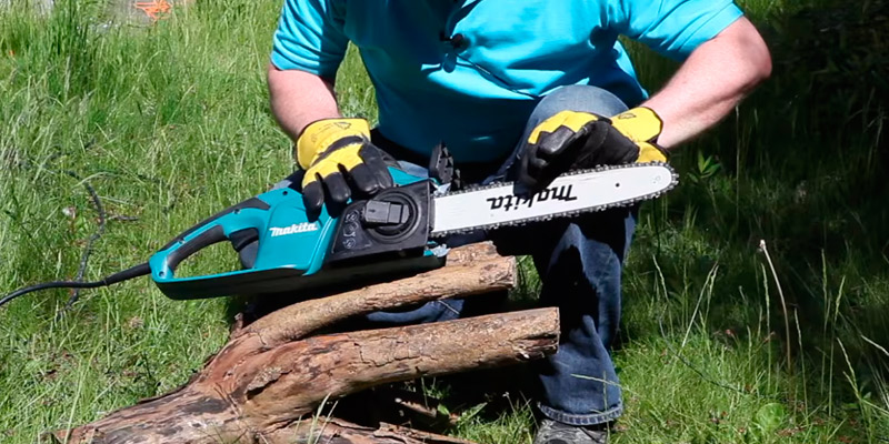5 best electric chainsaws reviews of 2018 in the uk bestadvisers review of makita uc3541a electric chainsaw keyboard keysfo Images