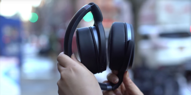 Review of Sennheiser HD 4.40 BT Over-Ear Wireless Bluetooth Headphones