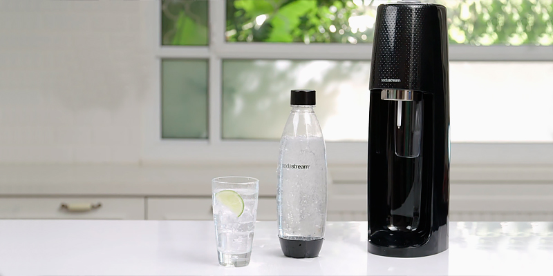 Review of SodaStream Fizzi Water Maker